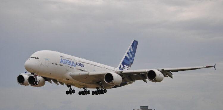 Saudyjczyk kupił synom dwa Airbusy?
