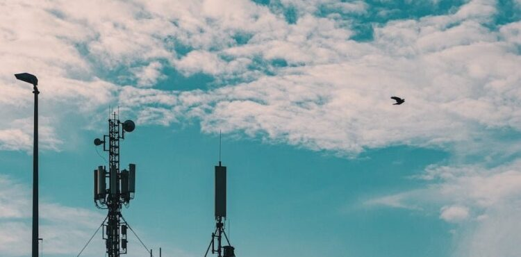 Nie, Szwajcaria nie wstrzymała wdrażania 5G