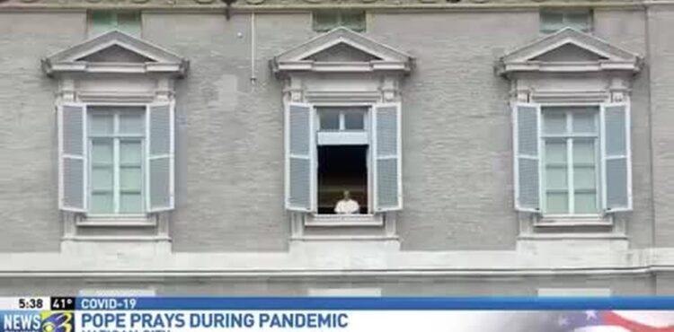 Papież Franciszek jako hologram? To fake news