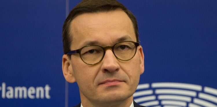 """Morawiecki: """"koronawirus w odwrocie"""". Sprawdzamy słowa premiera."""