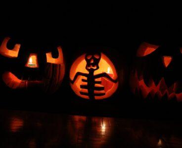 Fałszywy zakaz Halloween, czyli jak działają obywatelskie petycje i jak manipulują nami media.