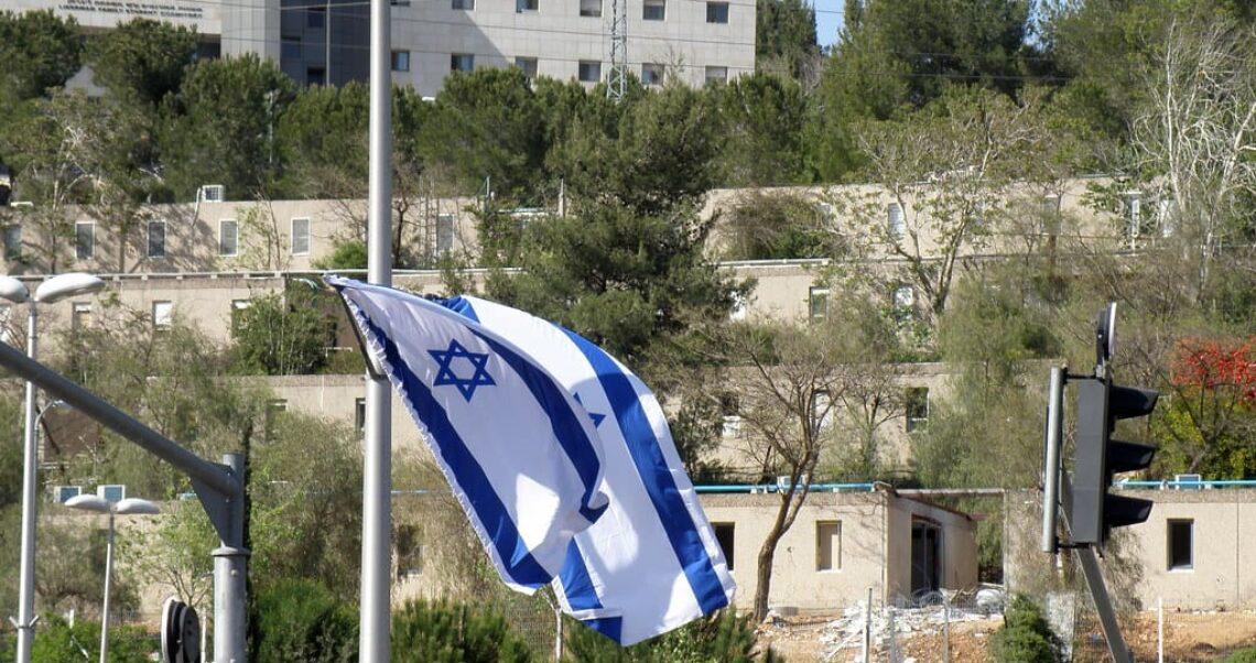 Nie, szczepienia nie spowodowały katastrofalnych skutków ubocznych w Izraelu